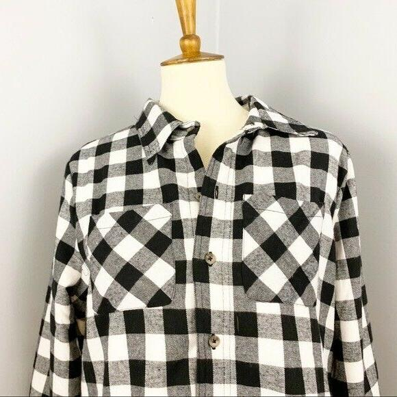 NWT Lined Plaid Size Large