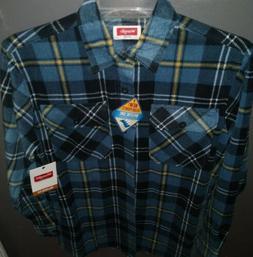 Wrangler Men's Relaxed Fit Breathe-Dri Flannel Shirt. Size S